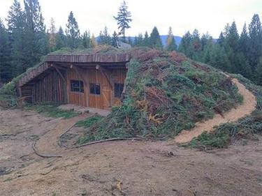underground-log-house-outside